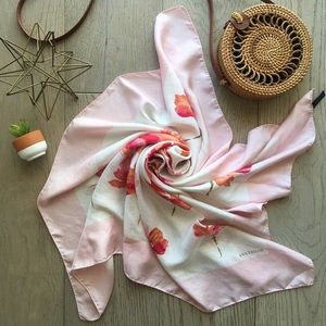 Floating away 100% Silk floral print scarve